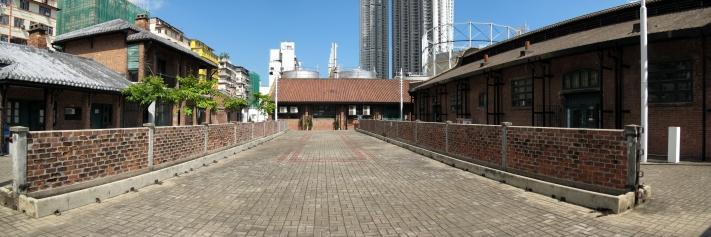牛棚藝術村中庭是一片大約40平方米的空地。