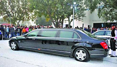 這輛奔馳S600轎車是沙特國王薩勒曼的行李之一