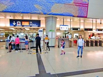 ▲乘坐港鐵可前往港島、東涌等地,快捷方便