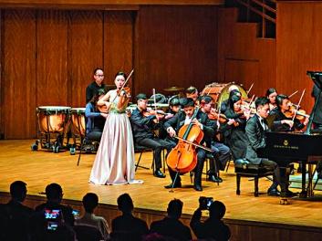 ▲文善社創會會長楊宇思本身是一位小提琴家