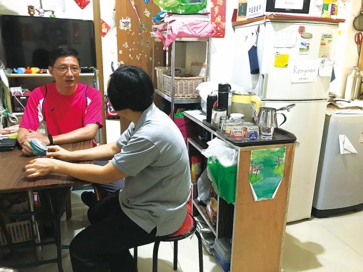 對鍾澤暉來說,最開心就是幫街坊解決問題
